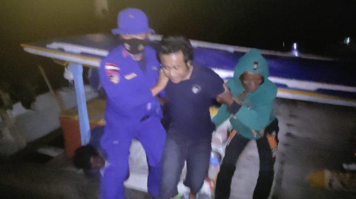 BREAKINGNEWS,Gelombang Tinggi Satu Sekoci KMP Musi 1 Terbalik, Empat Orang Selamat Satu Masih Hilang