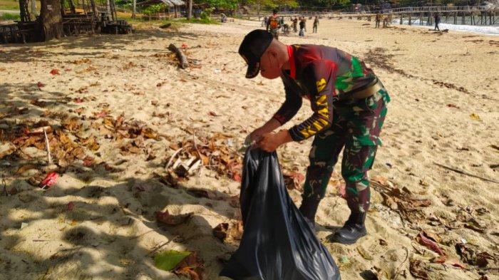 Kumpulan Pemuda Bangka Peringati World Clean Up Day, Bersih-bersih Pantai Tanjung Batu