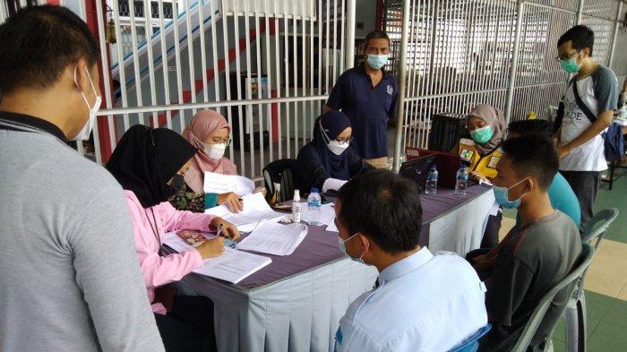 Warga Binaan Pemasyarakatan di Lapas Kelas II B Sungailiat Disuntik Vaksin Dosis Pertama