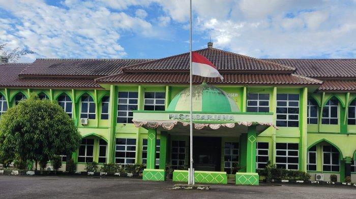 Jelang Hari Kesaktian Pancasila, IAIN SAS Bangka Belitung Kibarkan Bendera Setengah Tiang