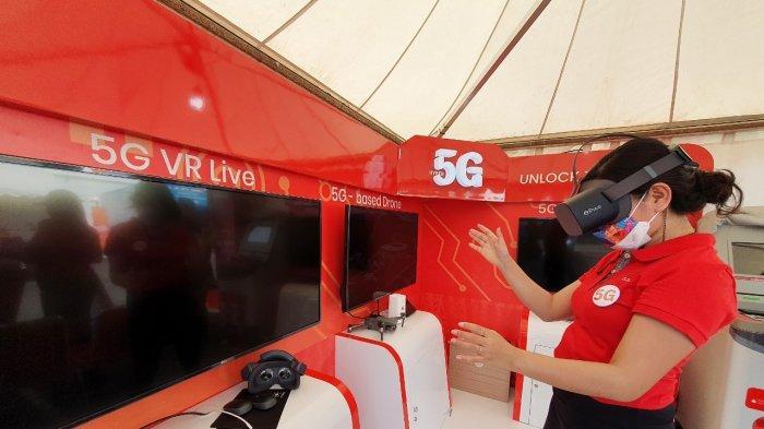 Telkomsel menjadi yang pertama menghadirkan jaringan 5G di Bumi Cenderawasih melalui showcase 'Telkomsel 5G Experience Center' pada momentum PON XX Papua 2021 di Stadion Lucas Enembe Papua. Beberapa use case yang dihadirkan antara lain 5G Virtual Reality (VR) live, 5G VR based drone, dan 5G VR tourism. Informasi lebih lanjut mengenai layanan Telkomsel 5G dapat diakses melalui www.telkomsel.com/5G.