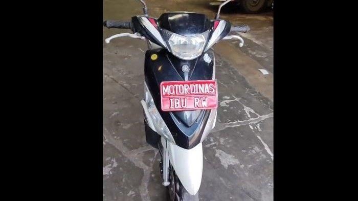 Tak Ambil Pusing Sama Harga BBM Pertamina, Yamaha Mio Motor Dinas Ibu RW Ini Tak Butuh Bensin, Lucu!
