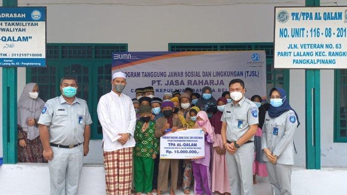 Jasa Raharja Serahkan Bantuan Pendidikan ke TPA Al Qalam