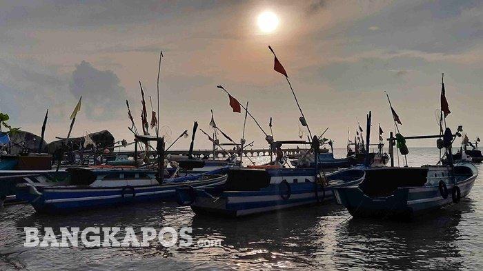 Pesona 3 Tempat Wisata di Bangka Selatan Cocok Melepaskan Penat, Keindahannya Bikin Tak Mau Pulang - 20211008-parahu-di-pantai-batu-belimbing.jpg