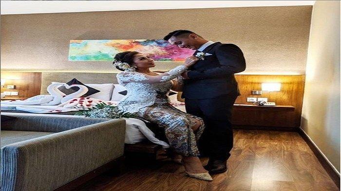 Pamer Foto Bareng Suami di Atas Ranjang, Artis Ini Dituding Telantarkan Anak, Reaksinya Menohok