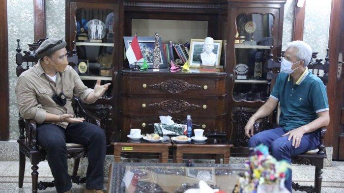 Gubernur Jateng Ganjar Pranowo Digeruduk Komunitas Merpati Malam-malam
