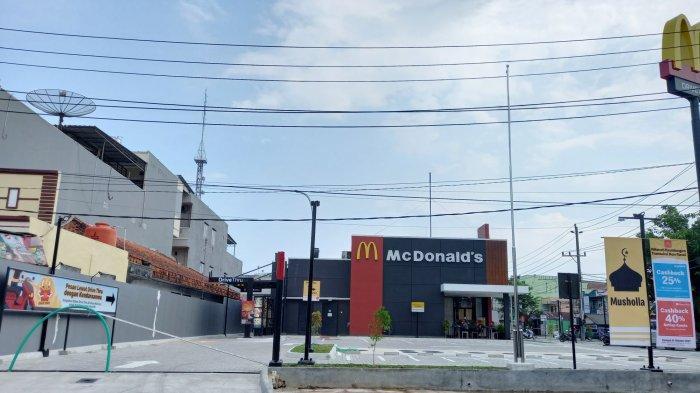 Gerai McDonald's yang berlokasi di Jalan Jelutung (depan Makam Kerkhof) Kota Pangkalpinang
