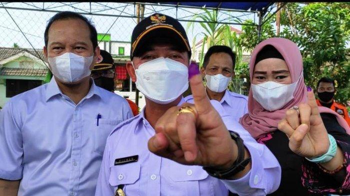 Mulkan Ikuti Pemilihan Kepala Desa Karya Makmur, Mencoblos di TPS 008