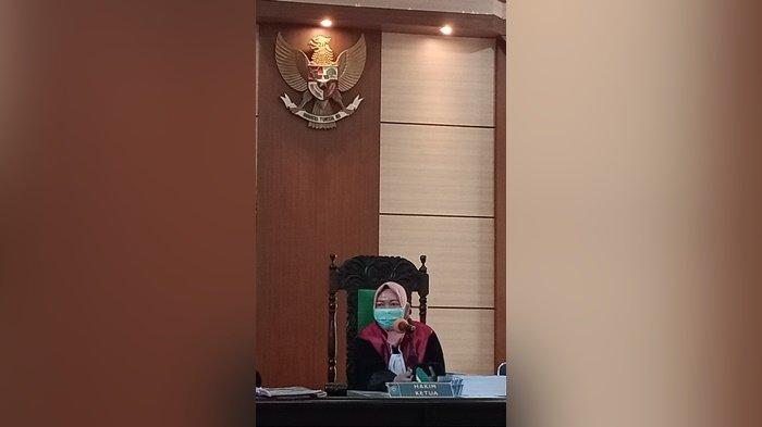 Terdakwa Tatang Sebut Lobi Pertama Kasus Korupsi KMK BRI Pangkalpinang Berlangsung di Warkop