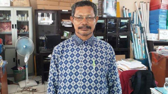 Pernah Digaji Rp30 Ribu Per Bulan, Guru Honorer di Bangka Tengah Ini Lolos CPPPK di Usia 51 Tahun