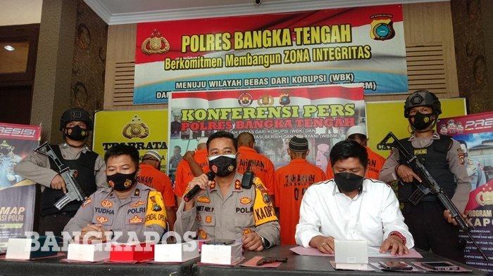 Konferensi pers oleh Polres Bangka Tengah mengenai pengungkapan 3 kasus yakni Curas, Curat dan pemerasan bertempat di Polres Bangka Tengah pada Kamis (11/2/2021)