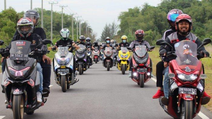 Yamaha Nmax dan XMax Jadi Primadona Para Bikers Maxi, Serunya Touring Susuri Pesona Bangka Belitung - 20212802-nmax1.jpg