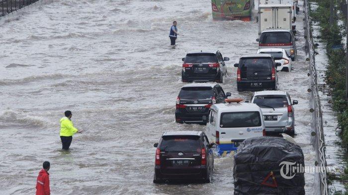 Anies Baswedan Tak Penuhi Panggilan DPR, Gubernur DKI Pilih Kunjungi Lokasi Banjir Jakarta