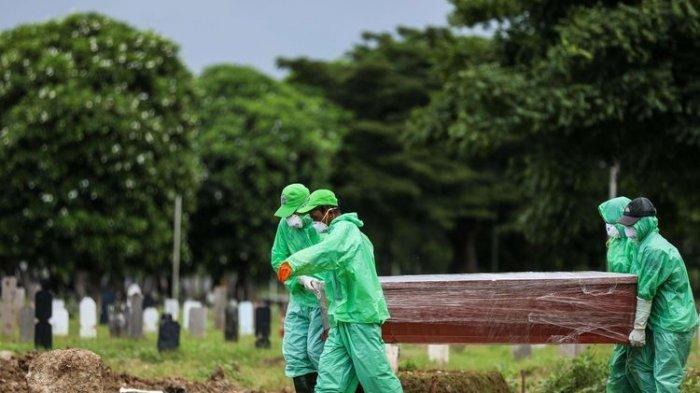 Petugas BPBD Provinsi Dikerahkan untuk Membantu Proses Pemakaman PDP di Bukit Lama