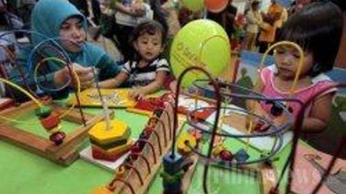 Mainan edukatif untuk melatih kreativitas dan kecerdasan anak.