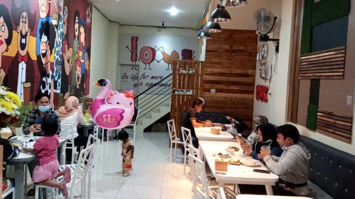 Mau Nongkrong Asyik sambil Makan, Yuk Santap Daging Asap Lezat di Mo Se'i, Bikin Nagih - 2mosei1.jpg