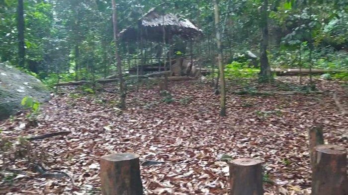 Pos istirahat kawasan Bukit Wisata Penyabung, desa Pelangas