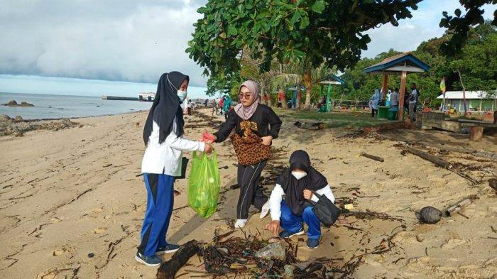 Peduli Lingkungan, Ikatan Adhyaksa Dharmakarini (IAD) Bangka Barat Bersih-Bersih Tempat Wisata