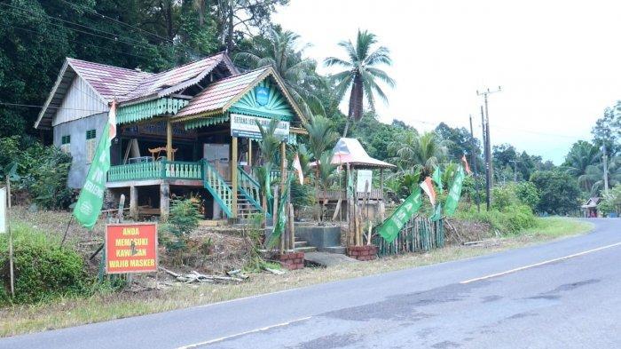 Rumah adat Jerieng, desa Pelangas