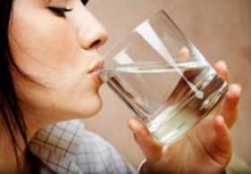 Pahami Manfaatnya, Ini 8 Reaksi Tubuh Saat Minum 8 Gelas Air Putih Sehari
