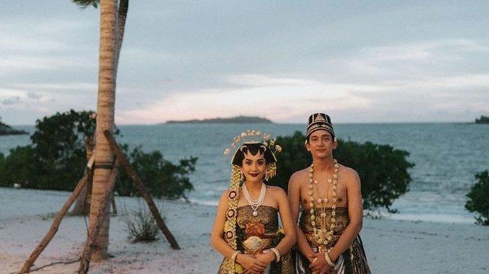 Adipati Dolken dan Canti Tachril Menikah di Pantai Belitung, Tak Dihadiri Orangtua dan Masuk Angin