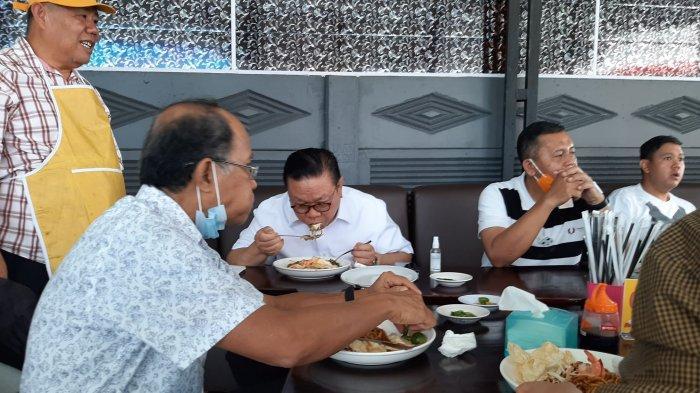 Agung Laksono Puji Kelezatan Mie Panglima Masakan Hidayat Arsani, Bagus untuk Kesehatan