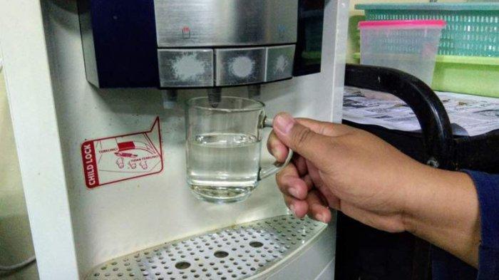 Viral Dispenser Dipasang di Kamar Mandi, Bisa Jadi Pengganti Water Heater, Sekalian Bisa Ngopi di WC