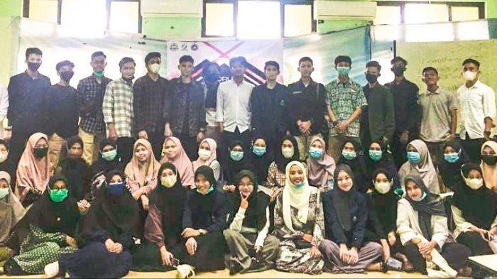 Bangkitkan Semangat Mahasiswa, HIMA Prodi TBI Gelar Forum Group Discussion