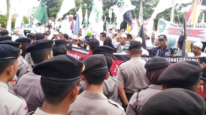 Aksi Demo Juga Terjadi di Pangkalpinang, Petugas Mulai Berjaga