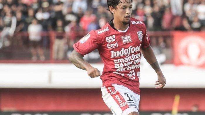 CEO Bali United Terang-Terangan Ingin Lepas Irfan Bachdim ke Klub Lain