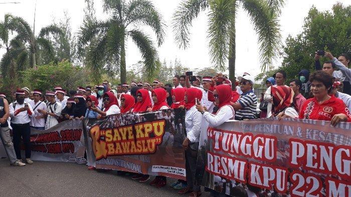 Aliansi Masyarakat Bangka Belitung Save KPU dan Bawaslu Gelar Aksi Dukung Bawaslu