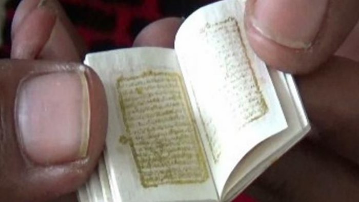 Melihat Istimewanya Al Quran Mini Berusia Ratusan Tahun, Bertinta Emas dan Ditulis Tangan