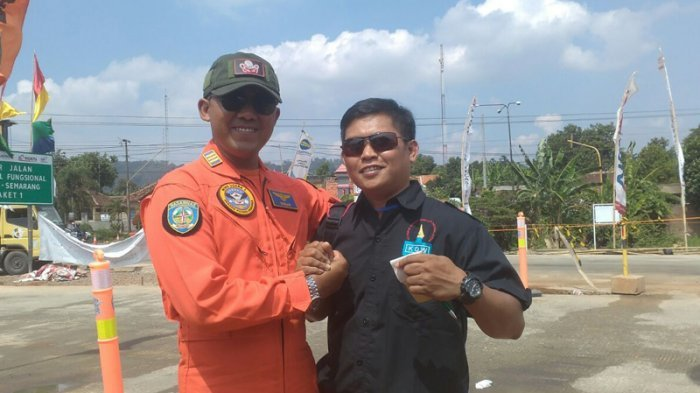 Wartawan Ini Sempat Naik Helikopter Basarnas yang Jatuh, Beruntung Turun Untuk Mengetik Berita