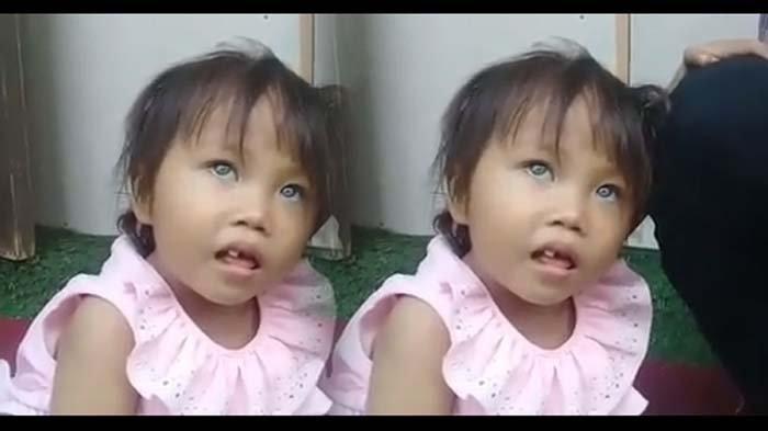 Tak Cuma Amel Bocah Bandung, Warga 3 Daerah di Indonesia Ini juga Memiliki Warna Bola Mata yang Unik