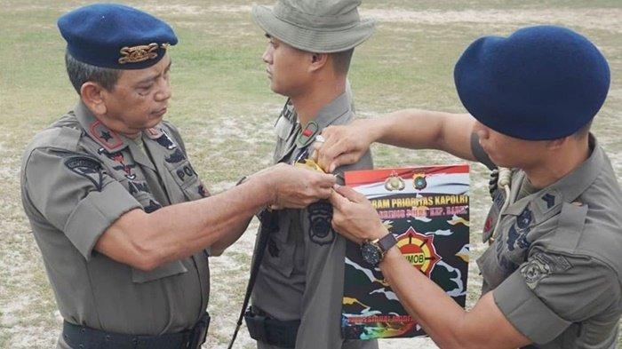 Brimob Polda Bangka Belitung Gelar Latihan Terjun Payung