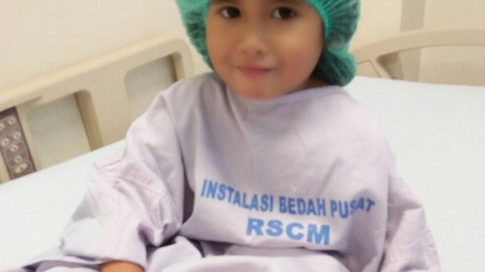 Semangat Annisa Lawan Penyakit Ginjal 'Kakak mau Ginjal Ibu Aja Jangan Ayah'