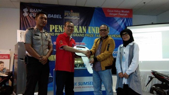 Antonius Pemenang Grand Prize Toyota Yaris dari Tabungan Pesirah Bank Sumsel Babel