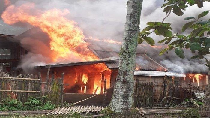 SUAMI Sholat Jumat Istri di Sawah Rumah Ludes Terbakar, Ini Penyebabnya