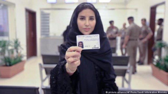 Sejarah Baru Tercipta, Arab Saudi Keluarkan SIM Pertama untuk 10 Perempuan