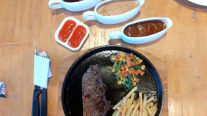Sirloin steak di Arcana Coffe and Resto