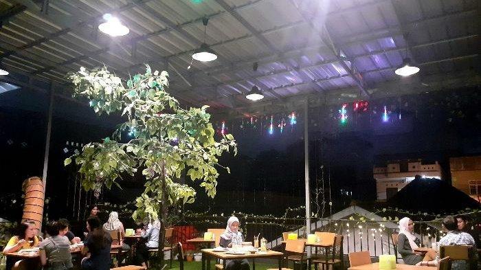 Nikmati Kelezatan Sirloin Steak dan Crispy Chicken di Arcana Coffe and Resto, Kafe Bernuansa Taman - arcana6.jpg