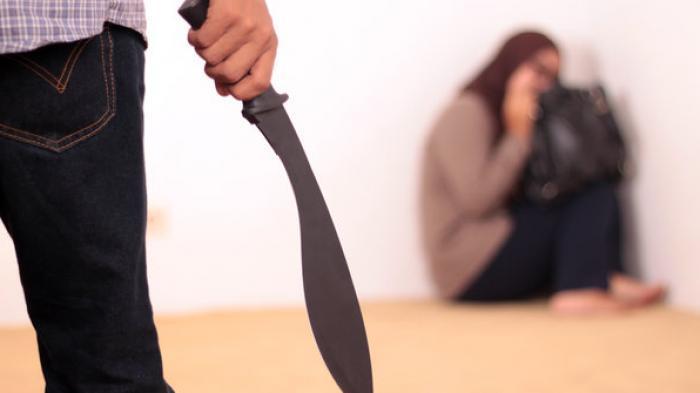 Suami Curiga Istri Selingkuh, Tak Mau Diajak Berhubungan Intim, Kesal Dibacoknya Tewas Terkapar