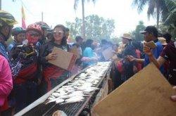 Luar Biasa, Festival Bakar Ikan Selangat Dihadiri Ribuan Pengunjung