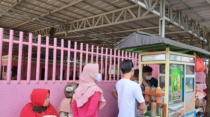 Bakso Gerobak Joni Rp 10.000 Ini Tetap Laris Manis, Selama Pandemi Corona Penjualan Justru Meningkat