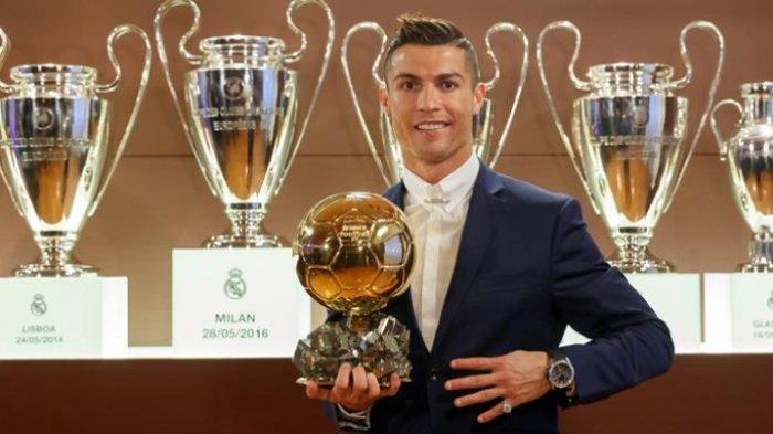 Ini yang Membuat Gelar Ballon d'Or 2016 Sangat Spesial bagi Cristiano Ronaldo