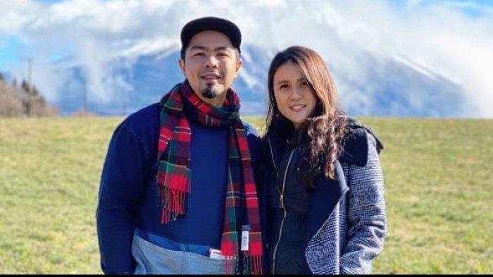 Bams eks Samsons dan Istri Mikhavita Wijaya. Sedang Proses Cerai