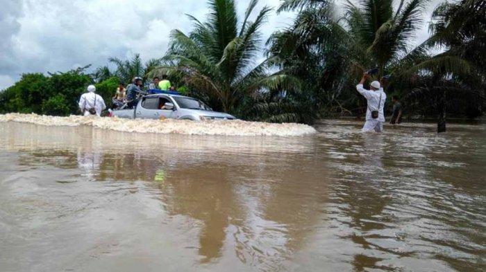 Banjir Desa Kayu Besi, Dinas PUPR Bakal Tinggikan Jalan dan Normalisasi Sungai