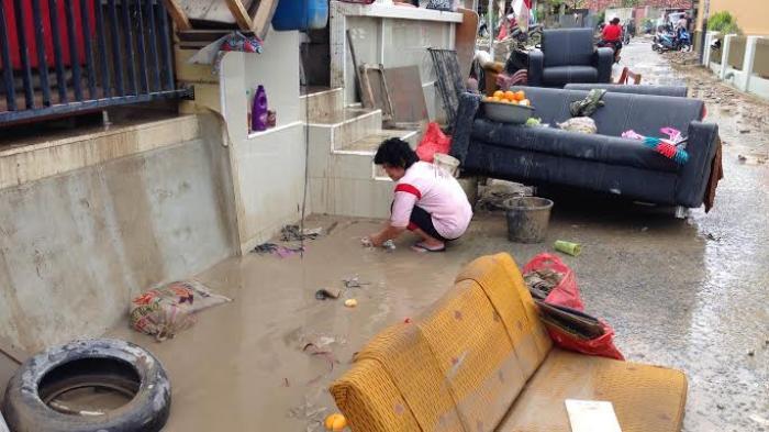 Warga Taiwan di Kampung Bintang Minta Baju