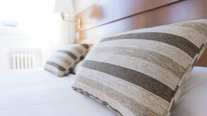 Tidur Sudah Tidak Nyaman, Ini 4 Tanda Bantal Harus Segera Diganti