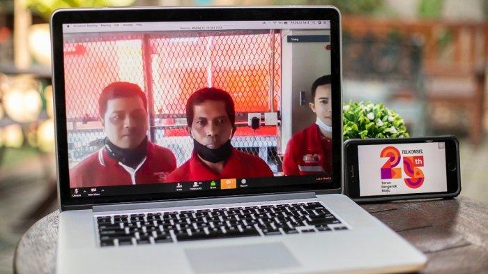 Telkomsel Salurkan Bantuan kepada 5.700 Penjaga BTS di Seluruh Indonesia